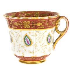 Gardner porcelāna tasīte ar gleznojumu un zeltījumu