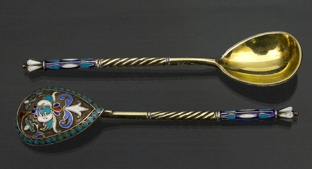 84. proves sudraba karotes ar emalju un zeltījumu (6 gab)