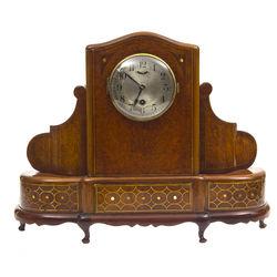 Art deco stila kamīna pulkstenis