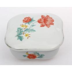 Porcelain chest