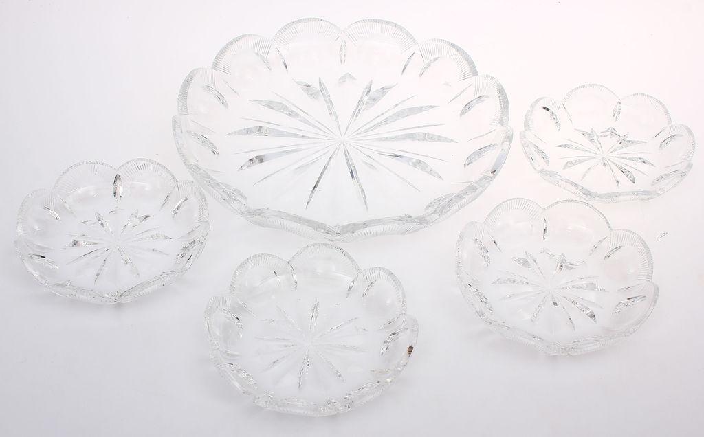 Kristāla servējamo trauku komplekts - 1 lielais, 4 mazie