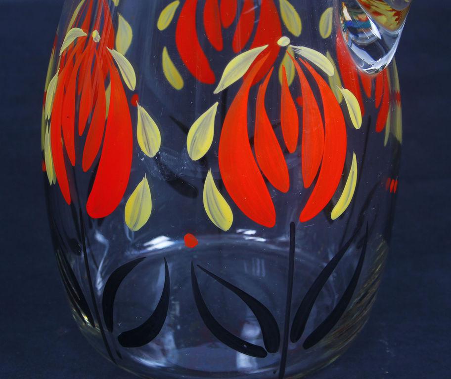 Stikla sulas krūka ar gleznojumu