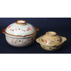 Faience utensils with lid 2 pcs.