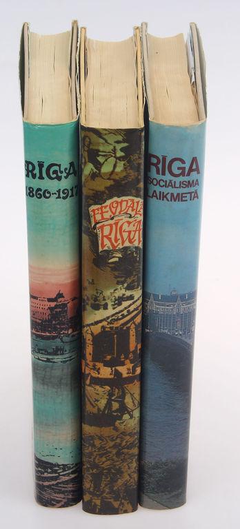 3 grāmatas -