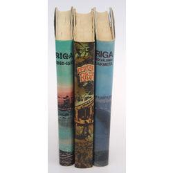 3 книги -
