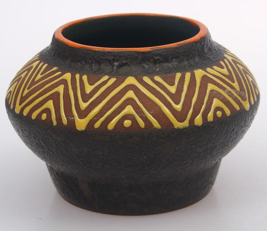 Keramikas vāzīte