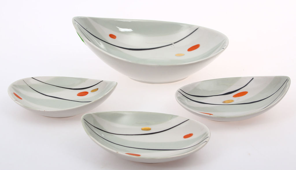 Porcelāna trauciņi 4 gab.(1 liels un 3 mazi)