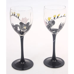 Two glass glasses