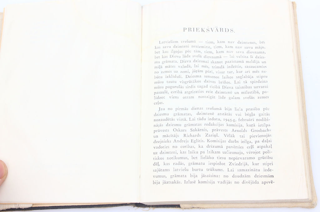 Dziesmu grāmata latviešiem svešumā