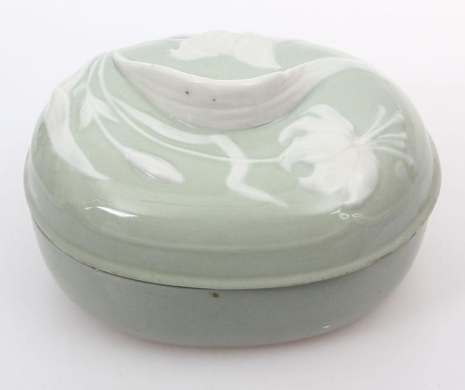 Porcelāna lādīte jūgendstilā