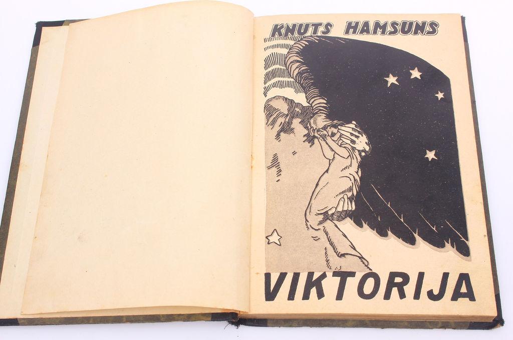 Knuts Hamsuns, Viktorija