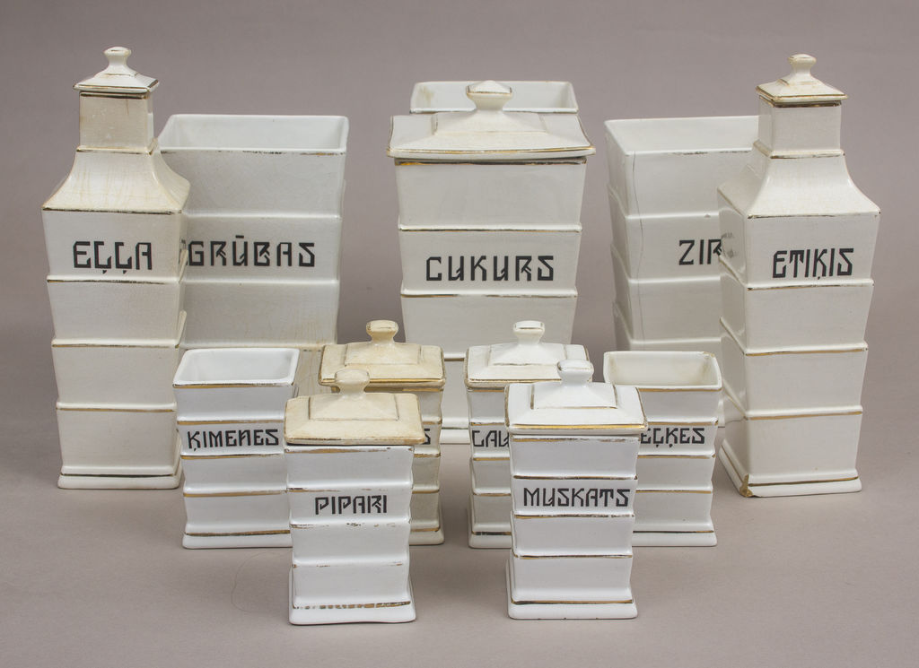 Porcelāna  komplekts