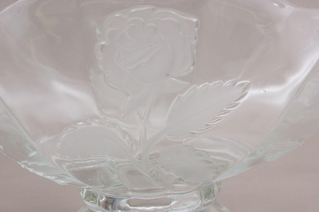 Stikla trauks