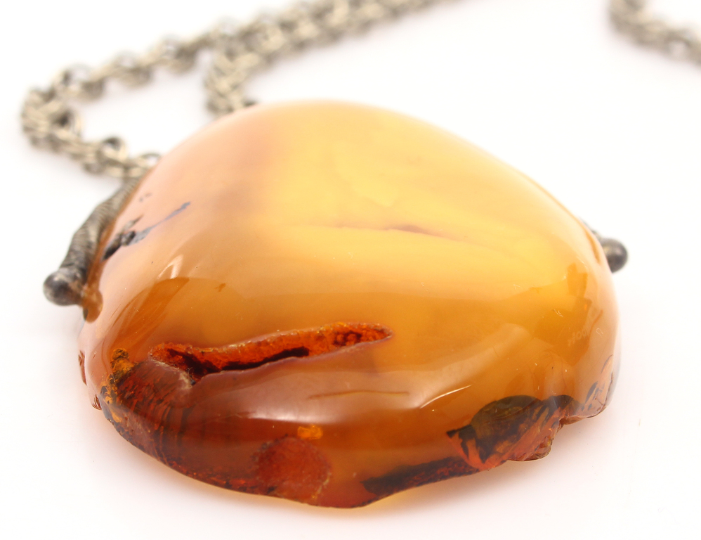 100% Natural Baltic amber pendand with metal chain