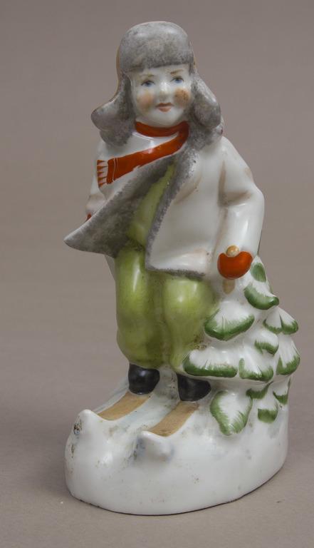 Фарфоровая фигура '' Лыжник ''