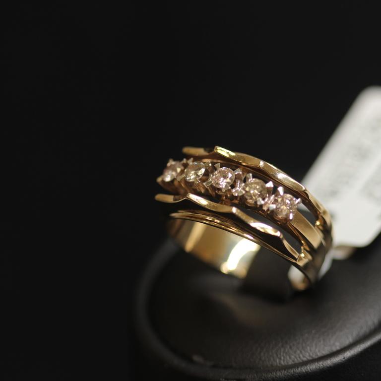 Zelta gredzens ar 5 briljantiem