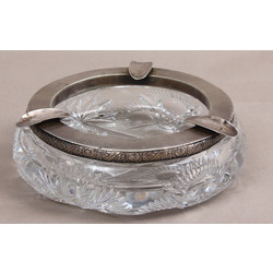 Crystal ashtray with silver finish