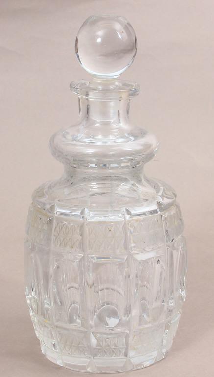 Stikla karafe ar korķīti