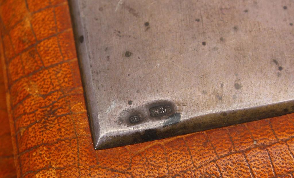 Ādas blociņš ar sudraba apdari