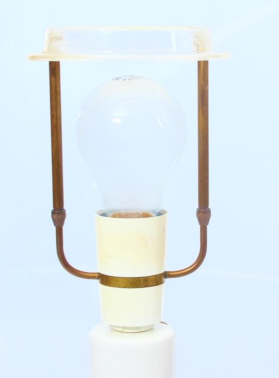 Porcelāna galda lampa