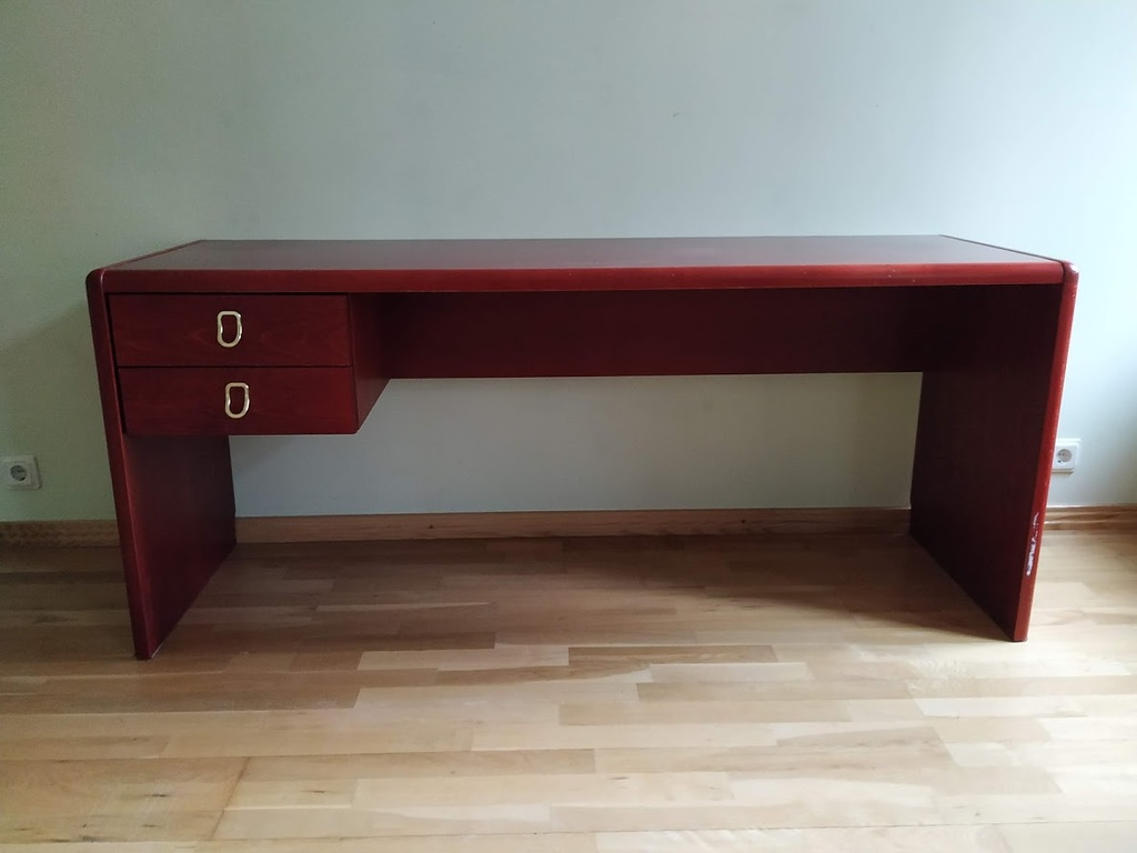 Mēbeļu komplekts (skapītis un galds)