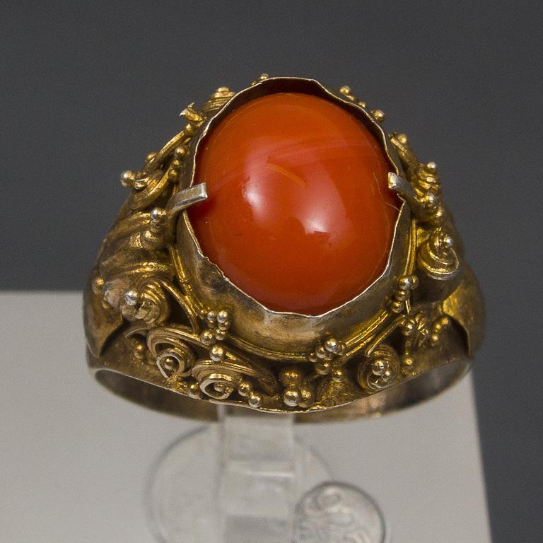 Apzeltīta sudraba gredzens ar koralli