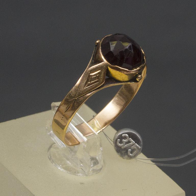 Zelta gredzens ar granātu
