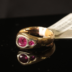 Zelta gredzens ar 2 rubīniem