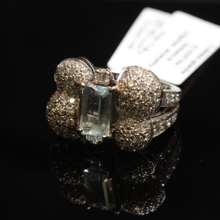 Zelta gredzens ar briljantiem, akvamarīnu