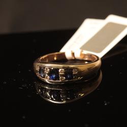 Zelta gredzens ar briljantiem, safīriem