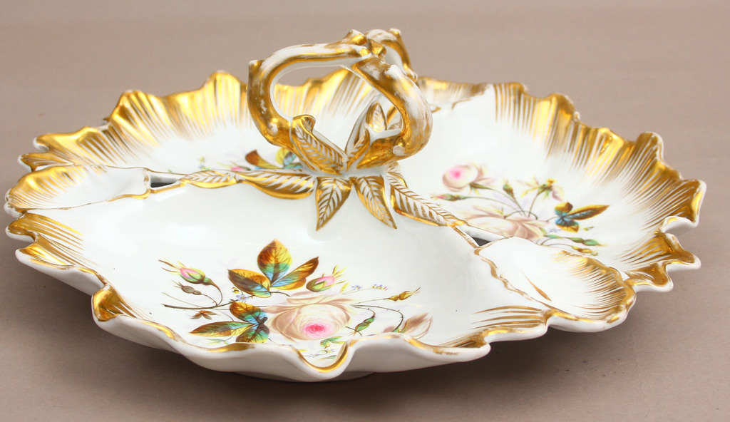 Porcelain serving plate