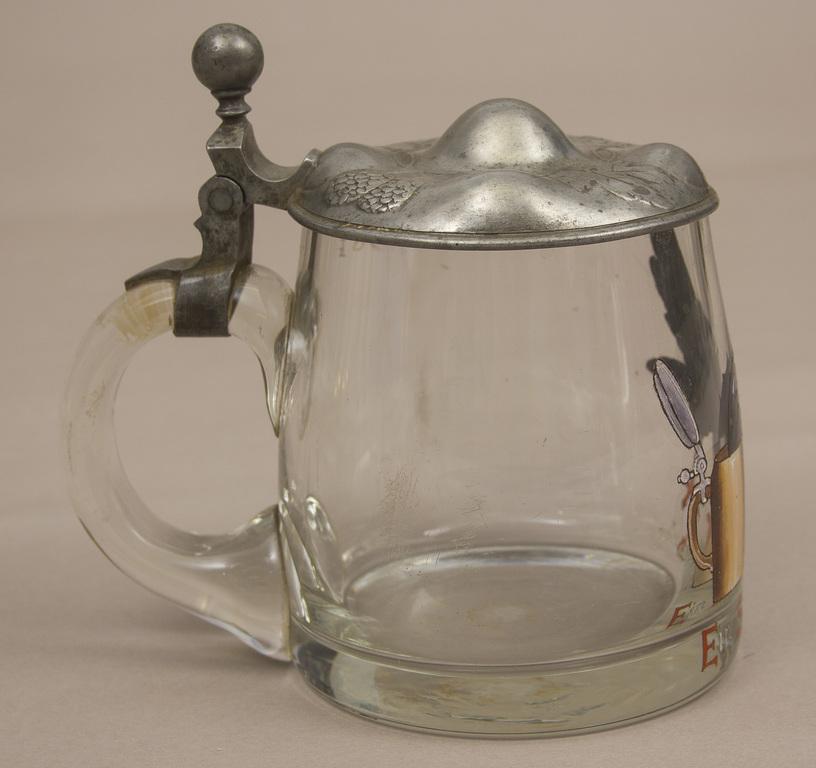 Stikla alus kauss ar metāla apdari