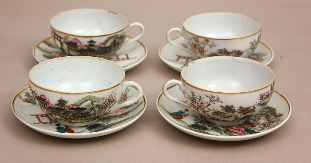 Ķīnas porcelāna tasītes ar apakštasītēm 4 gab.