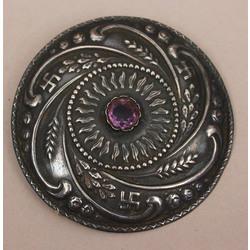 Sudraba sakta ar violetu akmeni