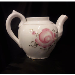 Porcelain kettle