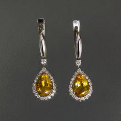 White gold earrings with diamonds and citrine
