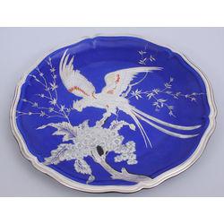 Porcelāna šķīvis ar sudraba plāksnes pārklājumu