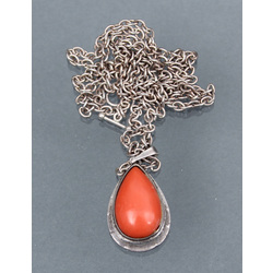 Pendant with Mediterranean coral in sterling silver with chain