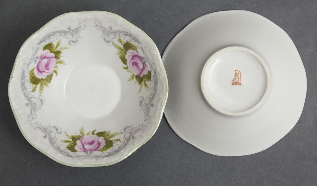 Porcelain set (6 + 1)