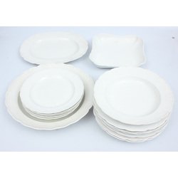 Porcelāna servējamo trauku komplekts 15 gab. - 6 pusdienu šķīvji, 1 zupas šķīvis, 4 dažādi servējamie trauki, 5 mazie šķīvji