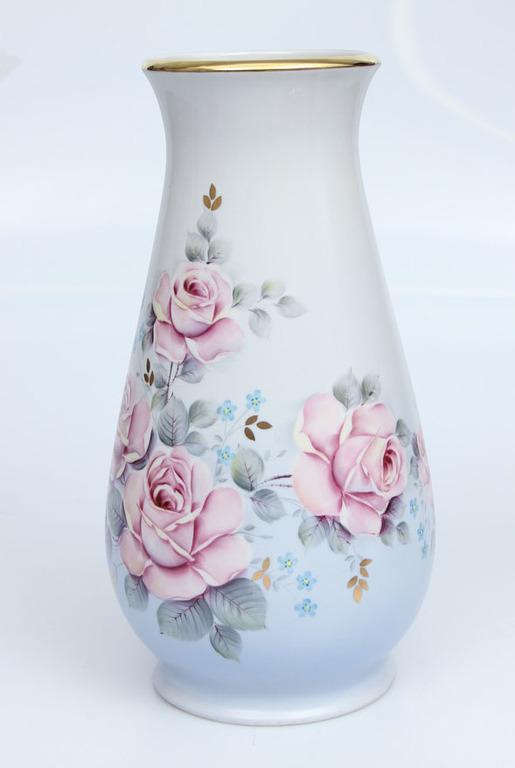 Фарфоровая ваза