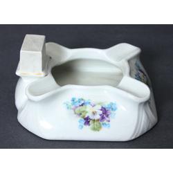 Porcelain ahstray