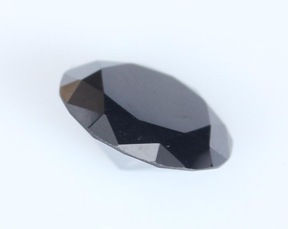 Akmens Melnais briljants (Black Moissanite)