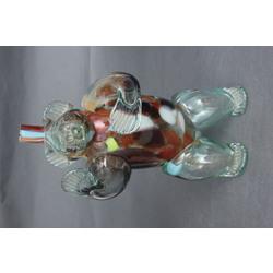 Krāsainā stikla karafe