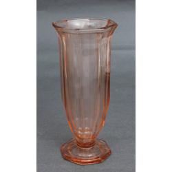 Oranžā stikla vāze