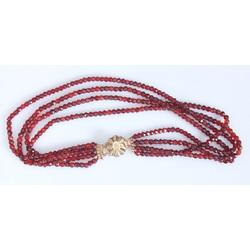 Granātu kaklarota ar četrām virtenēm
