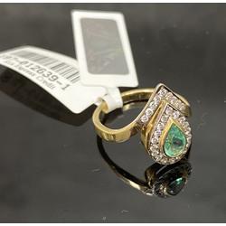Zelta gredzens ar 27 briljantiem un smaragdu