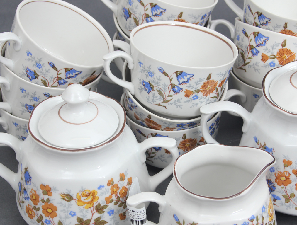 Porcelāna servīze 12 personām