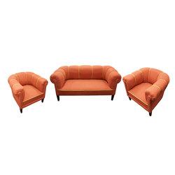 Mēbeļu komplekts - sofa un 2 krēsli