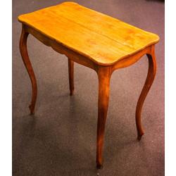 Bērza koka galds